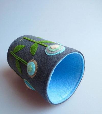 Khéo léo khâu may vải dạ làm thành lọ cắm bút - Ảnh 9.