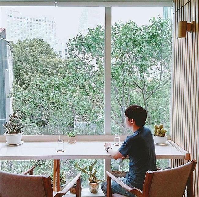 Ngắm mưa ở Sài Gòn, nhất định phải ghé 4 quán cafe này! - Ảnh 5.