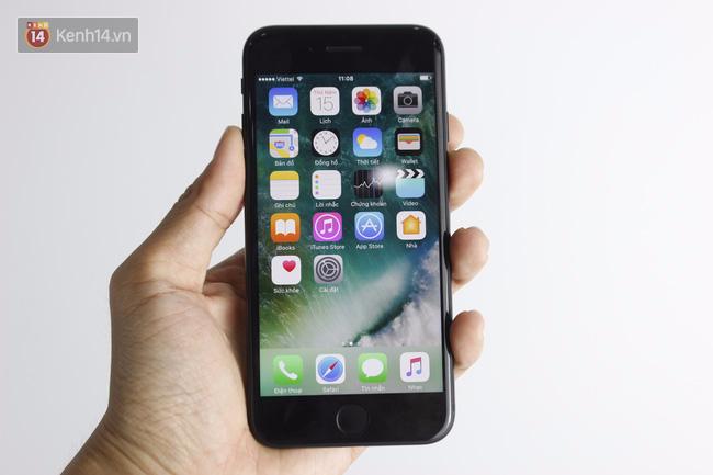 Cận cảnh iPhone 7 bản chính thức đầu tiên tại Việt Nam - Ảnh 20.