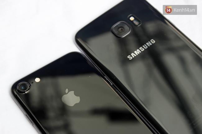 iPhone 7 có màu đen bóng, Galaxy S7 edge mới cũng có, hãy thử đọ dáng xem ai đẹp hơn - Ảnh 3.