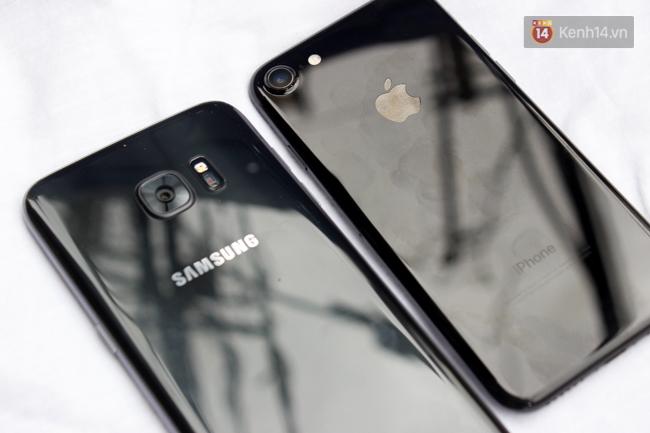 iPhone 7 có màu đen bóng, Galaxy S7 edge mới cũng có, hãy thử đọ dáng xem ai đẹp hơn - Ảnh 7.