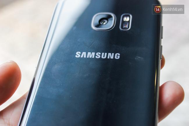 iPhone 7 có màu đen bóng, Galaxy S7 edge mới cũng có, hãy thử đọ dáng xem ai đẹp hơn - Ảnh 13.