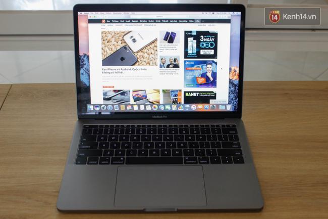 Cận cảnh MacBook Pro 2016 tại Việt Nam: Mỏng kinh ngạc, đẹp ấn tượng, dùng cực đã! - Ảnh 16.