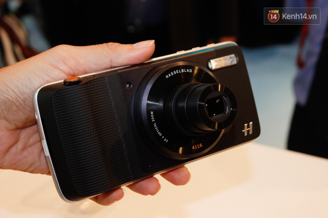 Lenovo chính thức giới thiệu bộ đôi smartphone siêu mỏng Moto Z và Moto Z Play tại Việt Nam