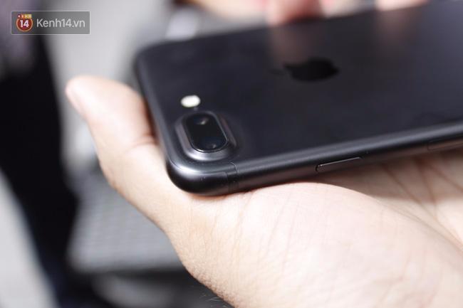 Tưởng thế nào, camera iPhone 7 Plus cũng chỉ xách dép cho Galaxy S7 - Ảnh 1.