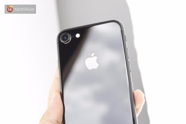 Đã có iPhone 7 đen bóng đầu tiên tại Việt Nam: Đẹp bóng bẩy! - Ảnh 6.