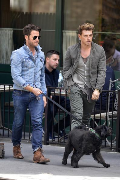 4 cặp đôi đồng tính nam vừa đẹp, vừa bền nổi tiếng nhất mạng xã hội - Ảnh 20.