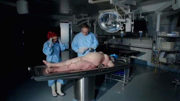 Nội tạng của thi thể hơn 100kg sẽ như thế nào khi được giải phẫu? - Ảnh 1.