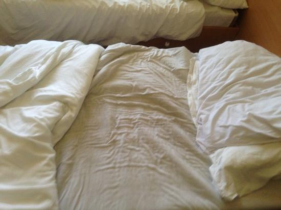 Điều kinh dị này chắc chắn sẽ xảy ra nếu bạn không chịu giặt ga trải giường