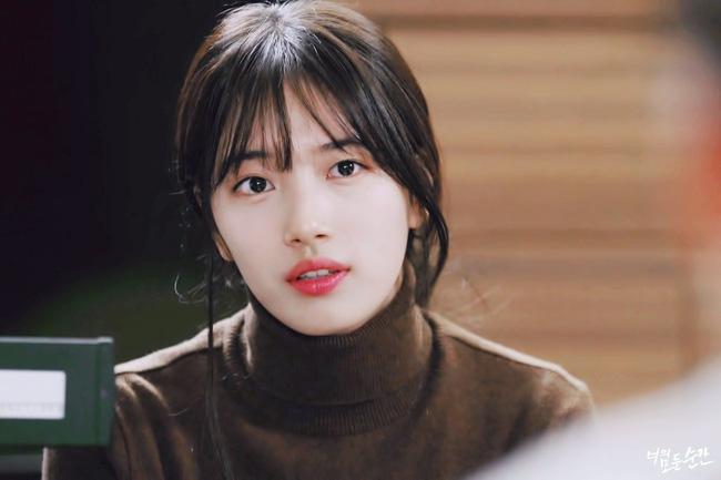 """Suzy và Han Hyo Joo: Em """"đơ toàn tập"""", chị """"cố quá thành quá cố"""" - Ảnh 1."""