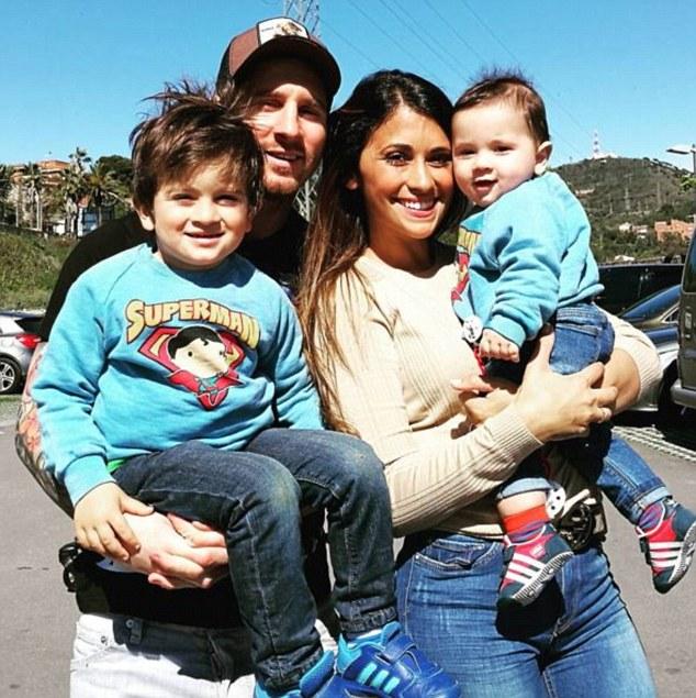 Barcelona chiêu mộ con trai cả của Messi - Ảnh 3.