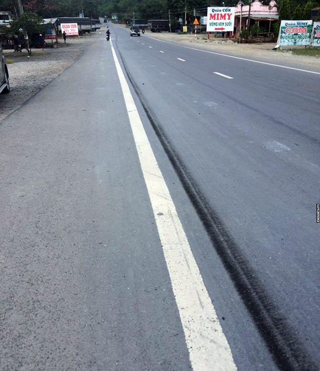 Xe tải dìu xe khách mất phanh lao đèo Bảo Lộc thoát tai nạn thảm khốc - Ảnh 3.