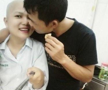 Người chồng tuyệt vời của cô gái 9X bị ung thư máu - Ảnh 1.