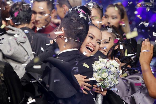 Quán quân Vietnams Next Top Model, Vietnam Idol, Sasuke thi nhau lộ diện trong tuần qua - Ảnh 2.