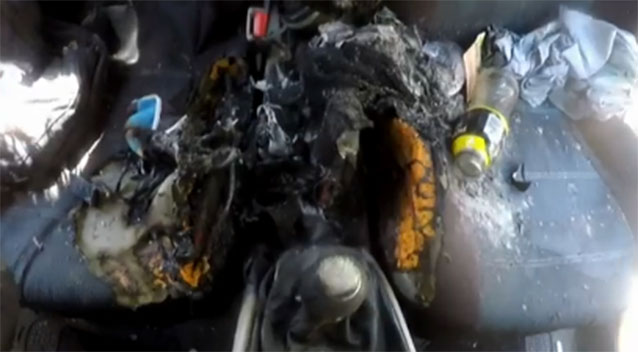 iPhone 7 vừa mới mua đã phát nổ kinh hoàng, đốt cháy cả xe hơi - Ảnh 1.