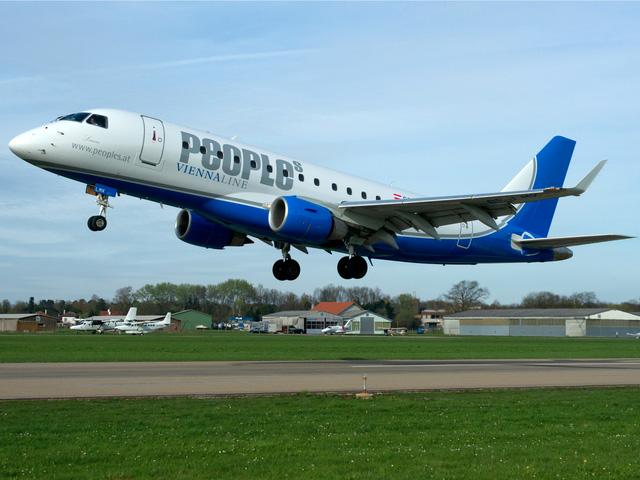 Đây là chuyến bay quốc tế ngắn nhất thế giới, chỉ dài có 8 phút đồng hồ - Ảnh 1.