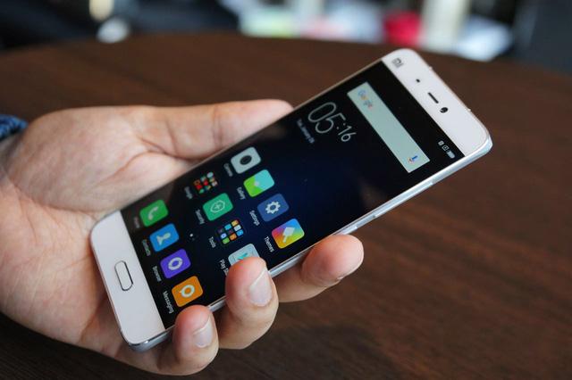 Điểm danh những smartphone chính hãng có hiệu năng/giá tốt nhất hiện nay - Ảnh 1.