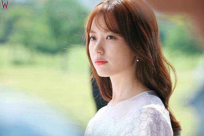 """Suzy và Han Hyo Joo: Em """"đơ toàn tập"""", chị """"cố quá thành quá cố"""" - Ảnh 4."""