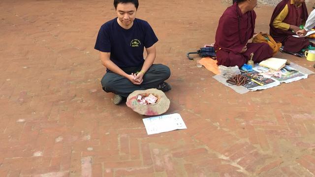 Một du khách người Việt đã thử đóng vai ăn xin ở Nepal và kết quả nhận được thật bất ngờ - Ảnh 2.
