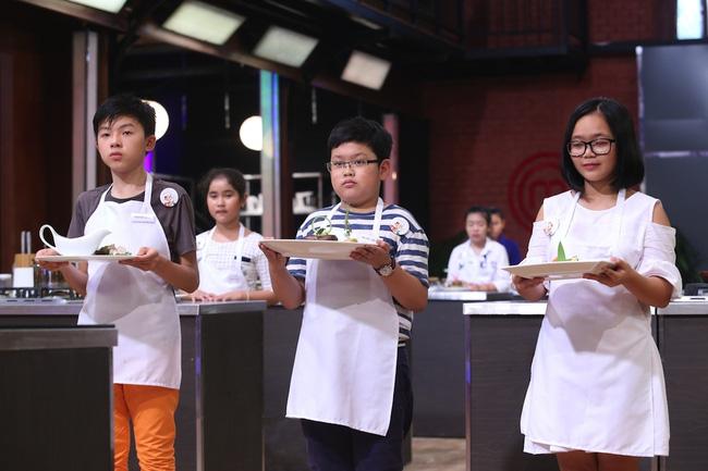 Quán quân Vietnams Next Top Model, Vietnam Idol, Sasuke thi nhau lộ diện trong tuần qua - Ảnh 12.