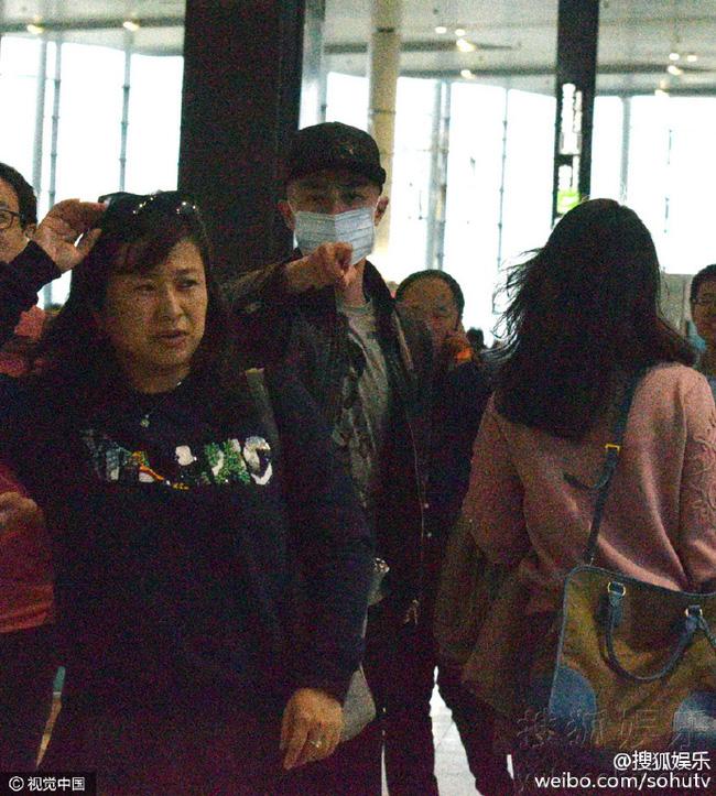 Hoắc Kiến Hoa nổi giận cấm phóng viên chụp hình, Lâm Tâm Như úp mở sẽ hạ sinh tiểu công chúa - Ảnh 3.