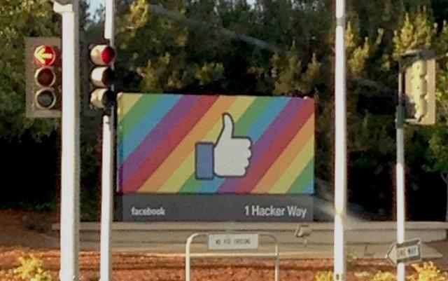 Lịch sử Facebook qua ảnh: Từ những thanh niên nhậu nhẹt giữa văn phòng đến kẻ thống trị thế giới - Ảnh 20.