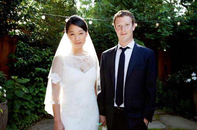 Lịch sử Facebook qua ảnh: Từ những thanh niên nhậu nhẹt giữa văn phòng đến kẻ thống trị thế giới - Ảnh 22.