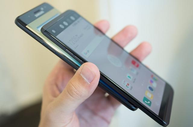 Đừng quên rằng trong năm nay Samsung đã tạo ra một tượng đài mới về thiết kế - Ảnh 3.