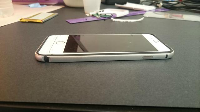 Ai sắp mua iPhone 7 thì nên kết thân với chiếc case xấu xí này đi là vừa - Ảnh 4.
