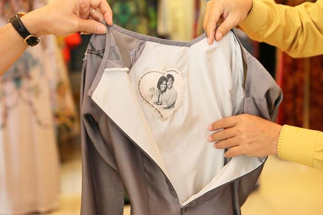 Việt Nam gửi áo dài hoa sen cho phu nhân Tổng thống Obama - Ảnh 4.