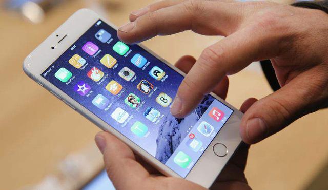 """""""Thành bởi iPhone, bại bởi iPhone"""" - Đã đến lúc Apple cần học tập Samsung - Ảnh 4."""