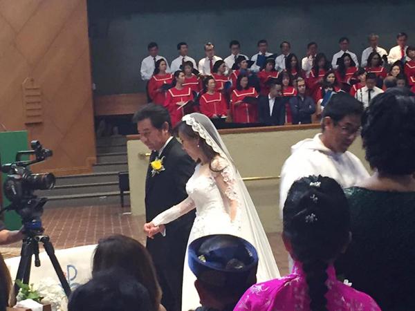 Giọng ca hải ngoại Mai Thiên Vân kết hôn với bạn trai quen 10 năm - Ảnh 5.