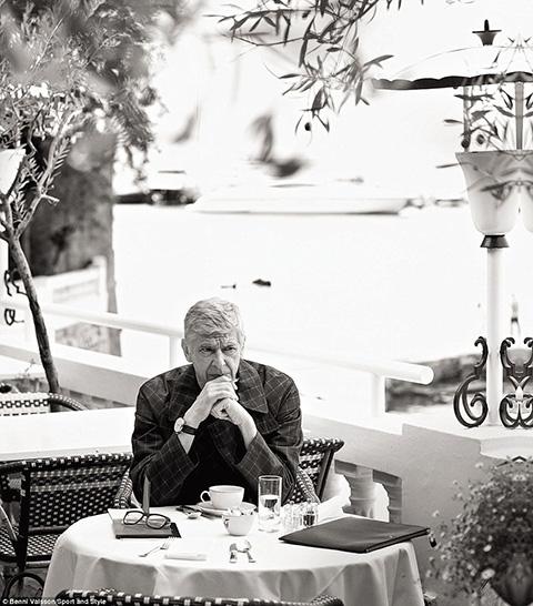 Bài phỏng vấn đặc biệt Arsene Wenger: Chúa tạo ra con người, còn tôi dẫn lối họ chơi đẹp - Ảnh 4.