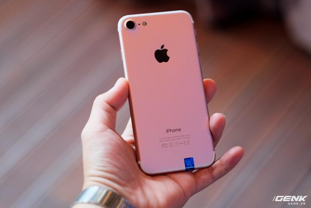Cảnh báo: iPhone 7 giả đã len lỏi đến thị trường Việt Nam, giá chỉ 2,5 triệu VNĐ, chạy Android nhái iOS như thật - Ảnh 4.
