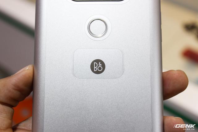 Trên tay siêu phẩm LG V20 tại Việt Nam: ngoại hình cứng cáp hơn, trang bị camera kép, giá gần 17 triệu đồng - Ảnh 8.
