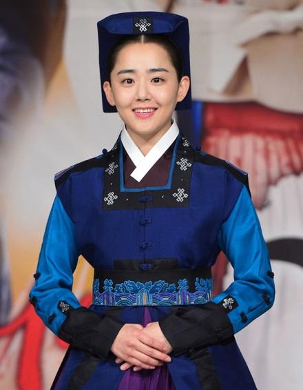 Sao Hàn giảm béo: Đổi ngoại hình và đổi luôn cả sự nghiệp, tình duyên - Ảnh 12.