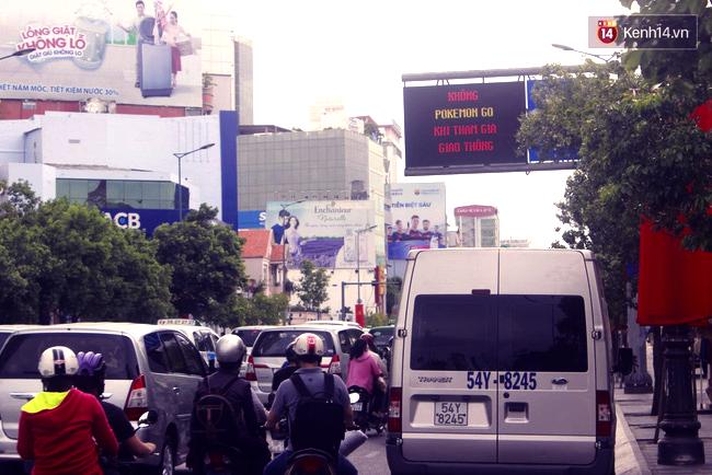 Không Pokemon Go khi tham gia giao thông - Sài Gòn chính thức có biển cảnh báo game thủ trên đường phố - Ảnh 3.
