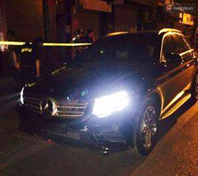Hà Nội: Thanh niên điều khiển Mercedes chạy trốn 141, đám đông náo loạn truy đuổi - Ảnh 2.