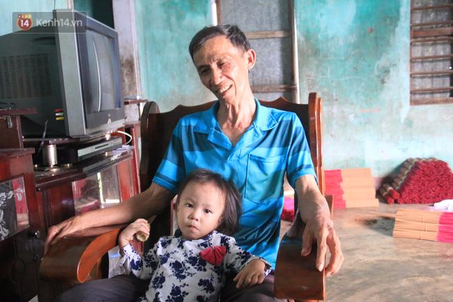 Gặp lại dị nhân Quảng Nam 13 năm vẫn ôm bức tượng chứa thi hài của vợ để ngủ - Ảnh 7.
