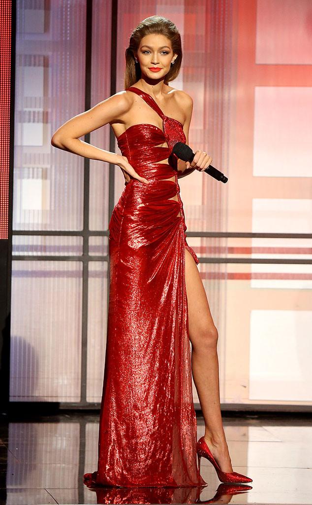 6 lần biến hóa lộng lẫy như nữ thần của Gigi Hadid ở AMA 2016 - Ảnh 5.
