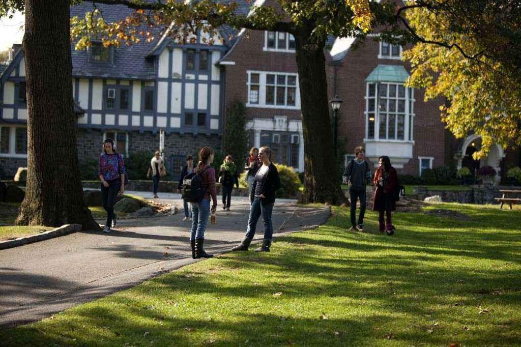Lo lắng có thể ảnh hưởng đến lựa chọn trường đại học và khóa học
