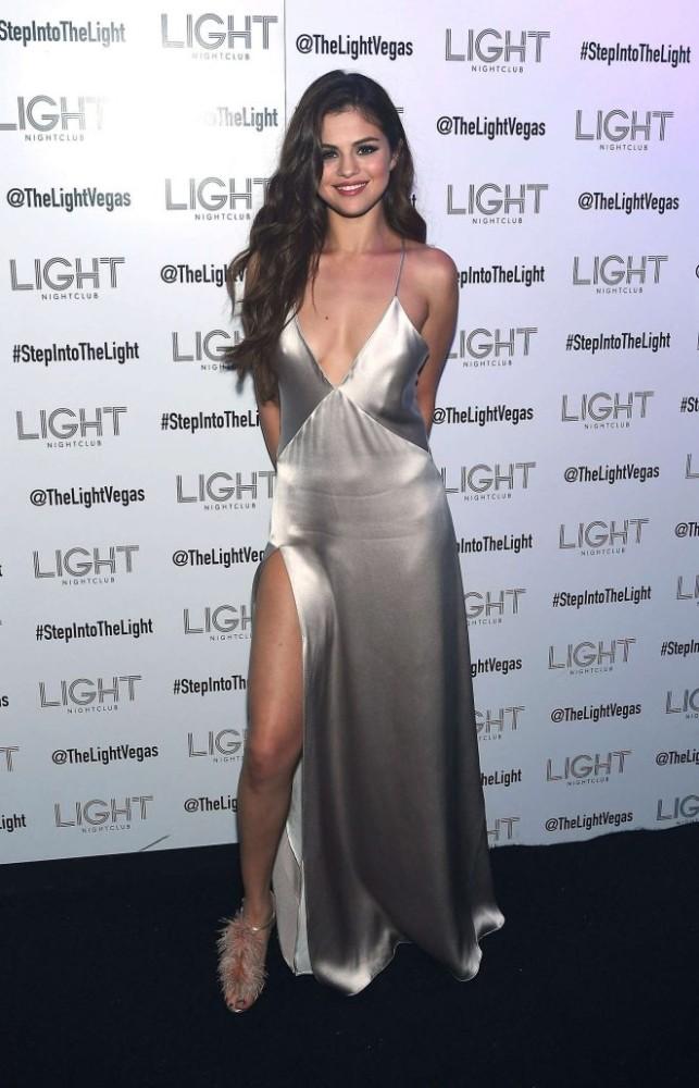 Hành trình nhan sắc thất thường của Selena: Khi thì béo ú, lúc lại đẹp khó cưỡng - Ảnh 27.
