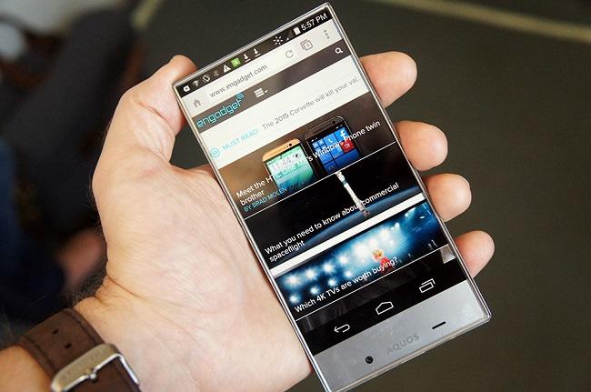 Tương lai smartphone có màn hình tràn ra viền đang đến gần - Ảnh 3.