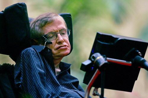 Trào lưu đổ nước đá lên đầu năm 2014 đã giúp các nhà khoa học tìm được gen gây ra bệnh ALS - Ảnh 2.