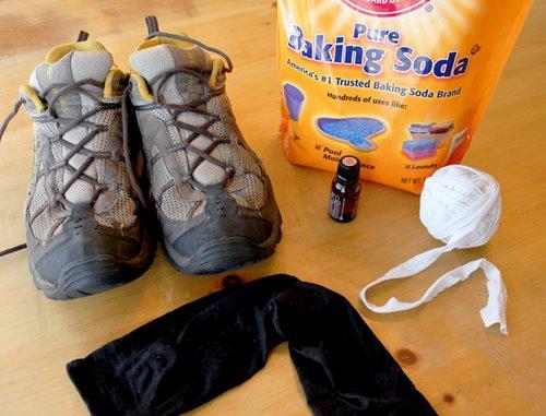 """Tạm biệt bàn chân """"bốc mùi"""" khi đi giày với những mẹo đơn giản này - Ảnh 1."""