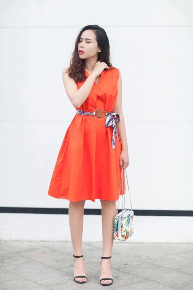 Phạm Hương mặc jeans vẫn sang như thường, Lilly Nguyễn lộ dáng thô vì đồ cá tính - Ảnh 7.