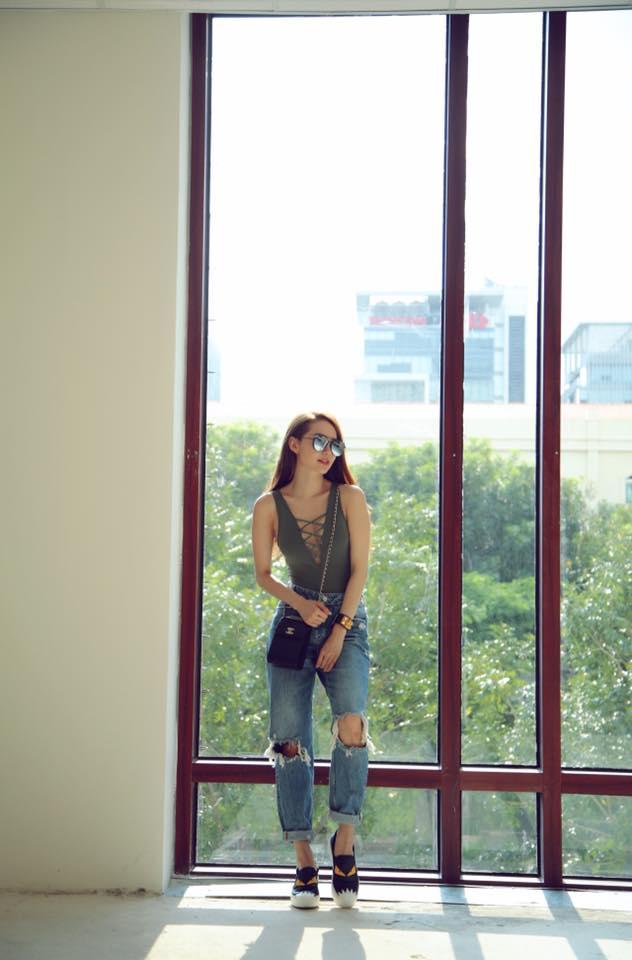 Chi Pu & Angela Phương Trinh xuất sắc nhất street style tuần qua, lấn át cả sao thế giới - Ảnh 12.