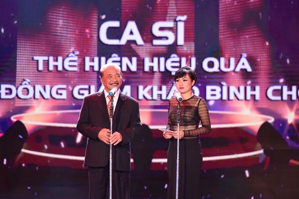 Khi sao Việt đốt mắt hàng triệu khán giả truyền hình bằng đồ hở bạo - ảnh 12