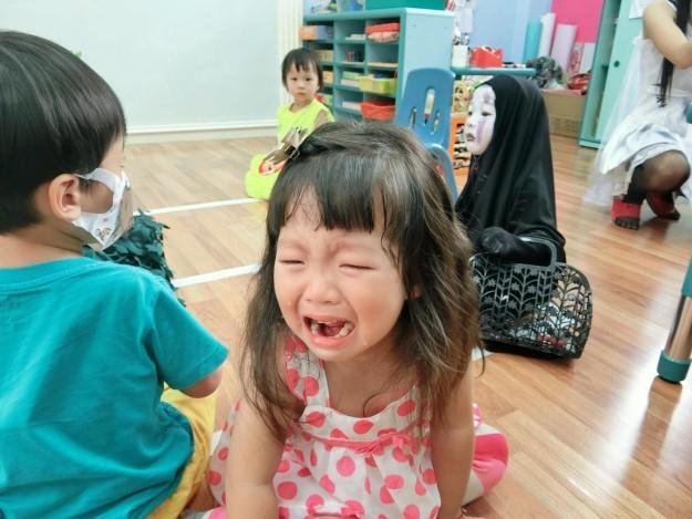 Cô Nhóc Hoá Trang Thành Vô Diện Trong Halloween Giờ Đã Nổi Tiếng Khắp Cả Thế