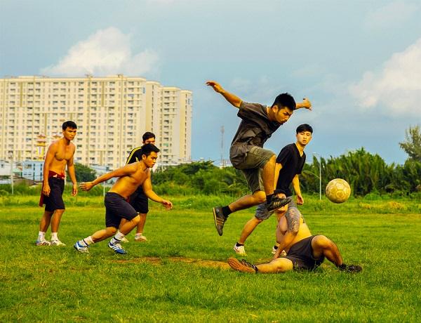 Huyme trở thành cầu thủ bóng đá điển trai trong phim điện ảnh Sút - Ảnh 10.
